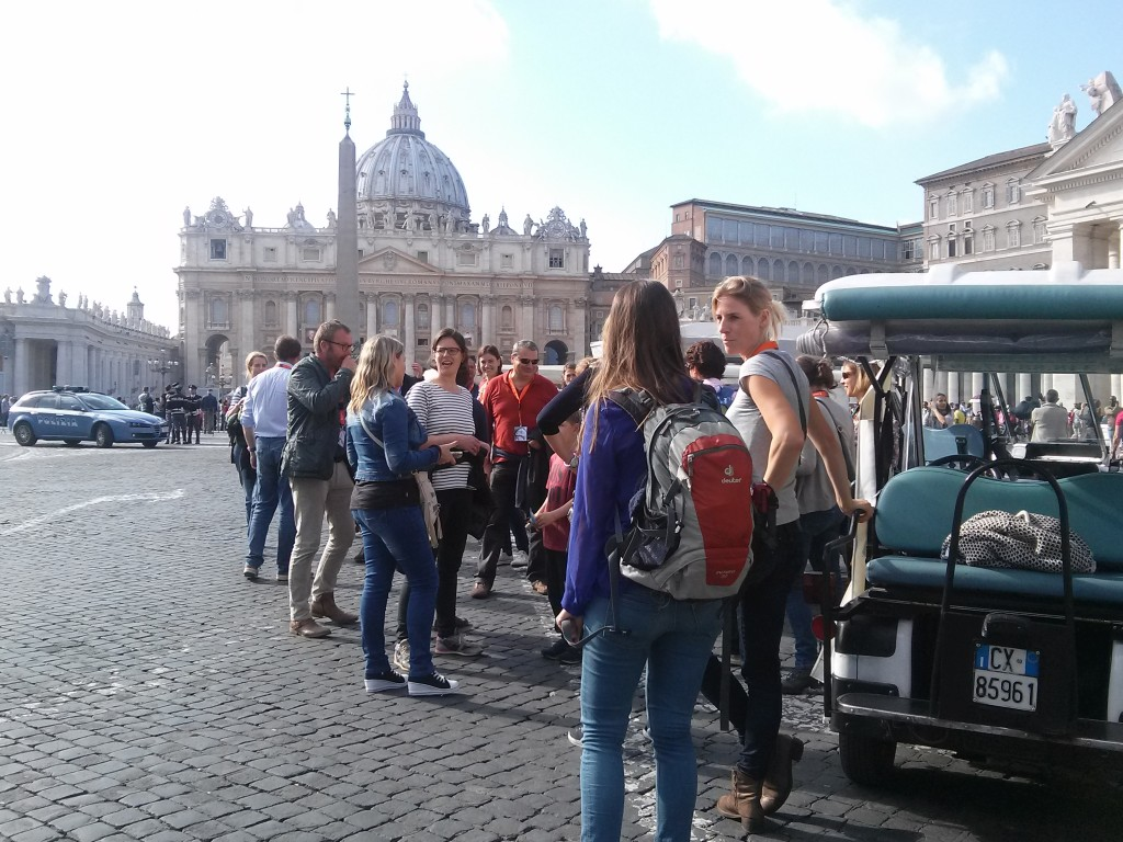 wine and dine experience rome - team building tour