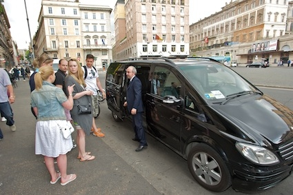 Die Illuminati Tour auf Deutsch in Luxus Minivan